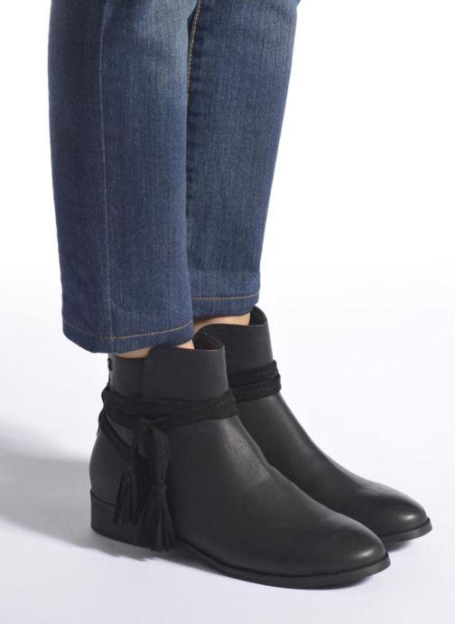 Stiefeletten & Boots Refresh Pompom 62132 schwarz ansicht von unten / tasche getragen