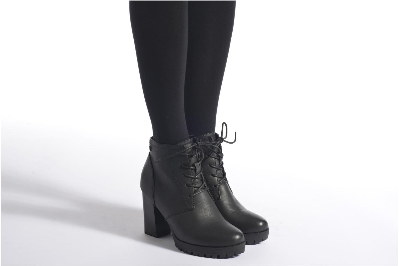 Bottines et boots Refresh Charlotte 62176 Noir vue bas / vue portée sac