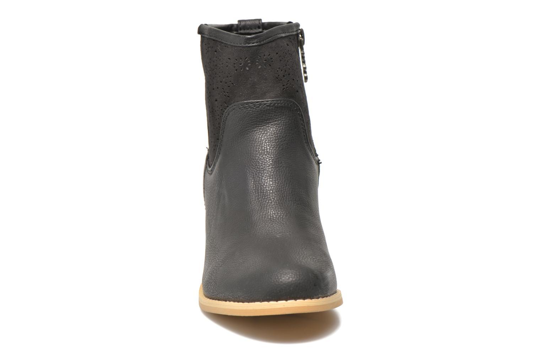 Bottines et boots Refresh Omalia-61706 Noir vue portées chaussures