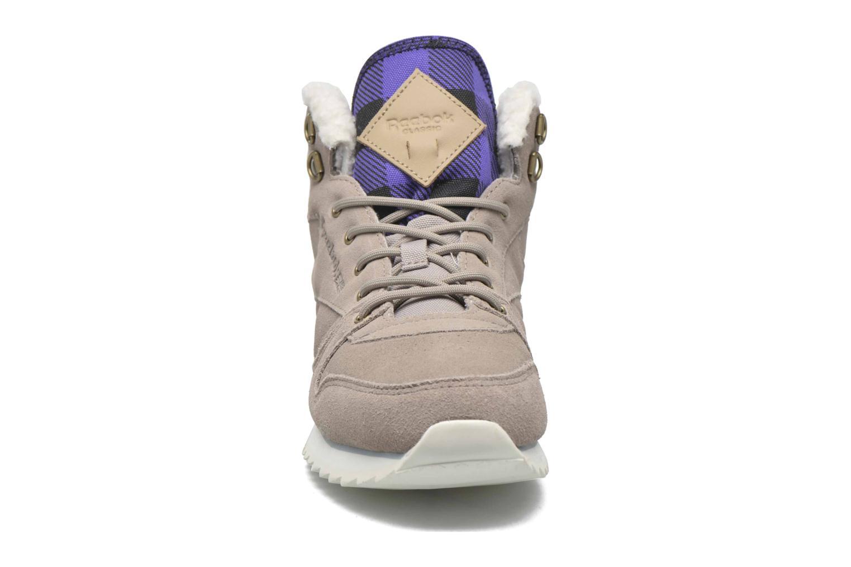 Baskets Reebok Cl Lthr Mid Outdoor Gris vue portées chaussures