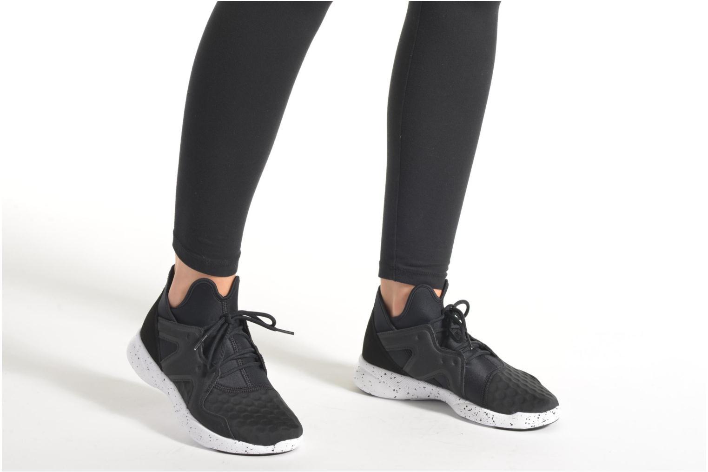 Chaussures de sport Reebok Sayumi 2.0 Noir vue bas / vue portée sac