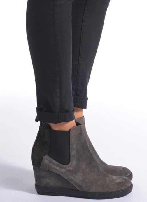 Bottines et boots Khrio Clara Gris vue bas / vue portée sac