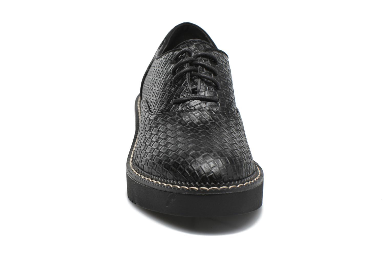 Chaussures à lacets MTNG Pinky Noir vue portées chaussures