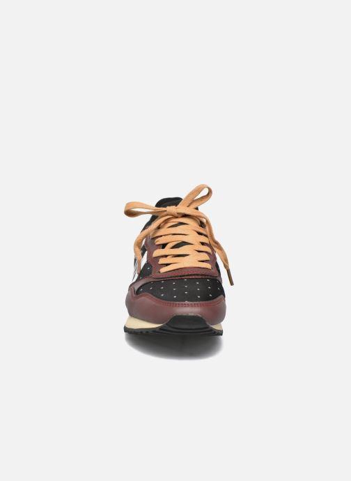 Baskets MTNG Dore Noir vue portées chaussures
