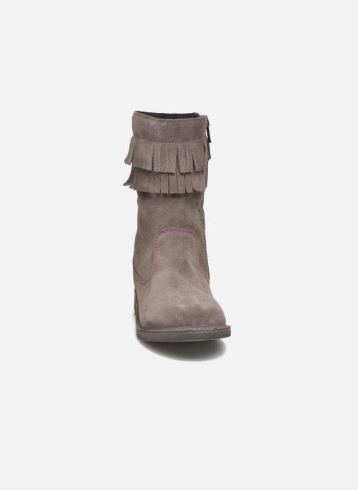 Bottes Ricosta Dascha Gris vue portées chaussures