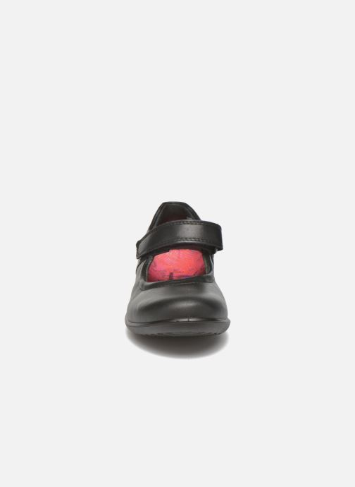 Ballerines Ricosta Beth Noir vue portées chaussures