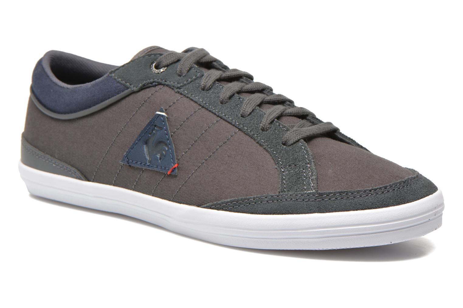 Trainers Le Coq Sportif Feretcraft Twill Cvs Grey detailed view/ Pair view