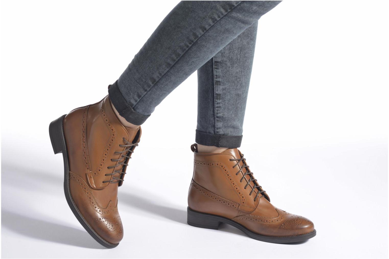 Bottines et boots Georgia Rose Anglais Marron vue bas / vue portée sac