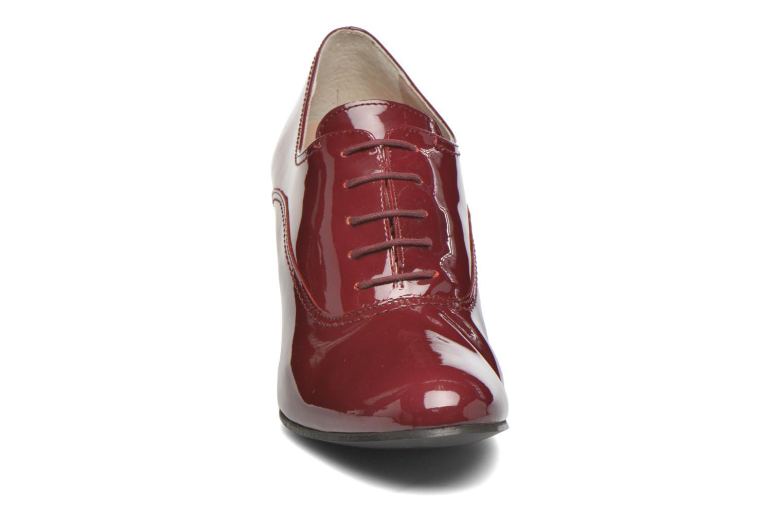 Chaussures à lacets Georgia Rose Jata Bordeaux vue portées chaussures