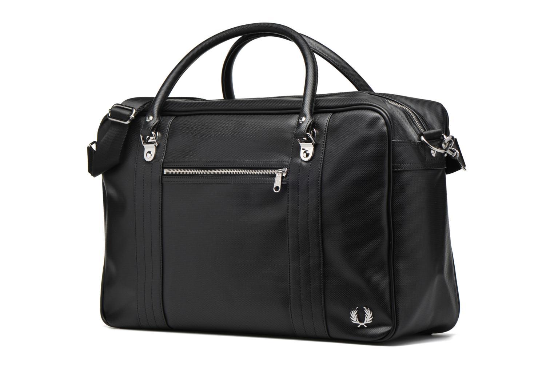 Bagages Fred Perry Piqué overnight bag Noir vue portées chaussures