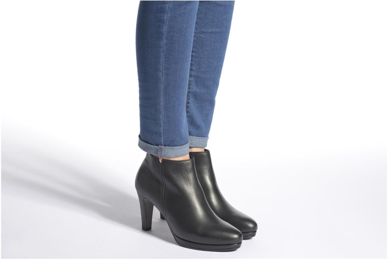 Bottines et boots Gabor Anne Noir vue bas / vue portée sac