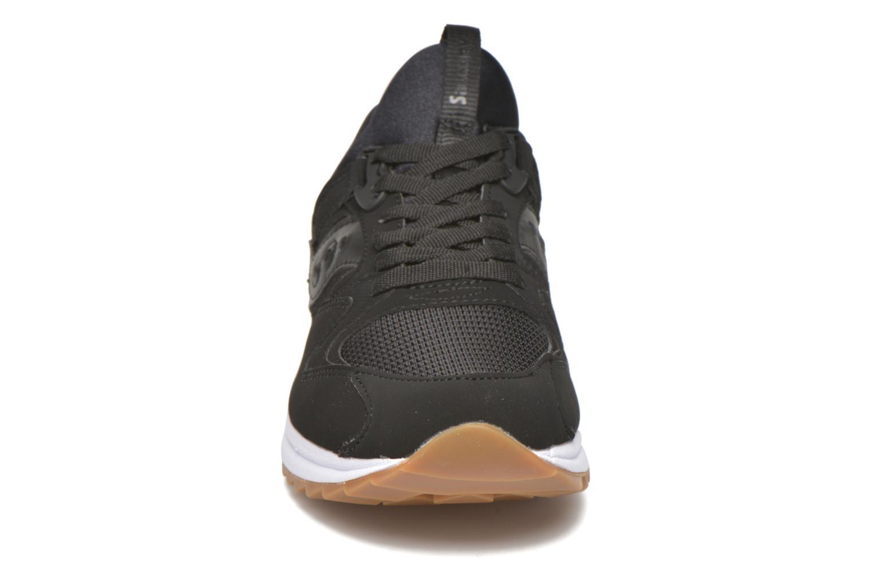 Baskets Saucony Grid 8500 Noir vue portées chaussures