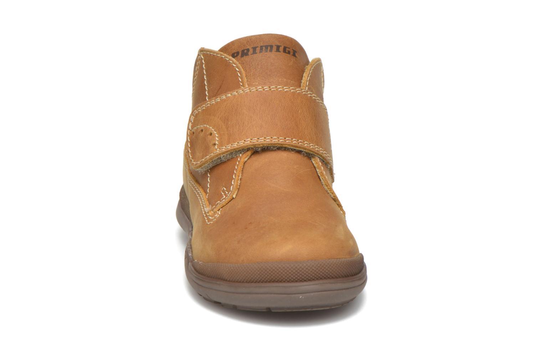 Chaussures à scratch Primigi Demian Beige vue portées chaussures