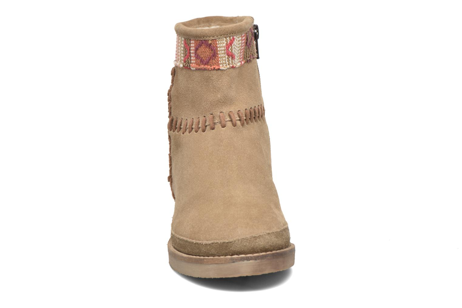 Ankle boots Coolway Babette Beige model view