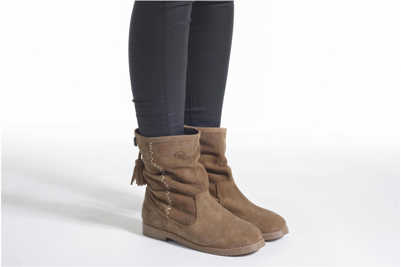 Bottines et boots Coolway Betina Marron vue bas / vue portée sac