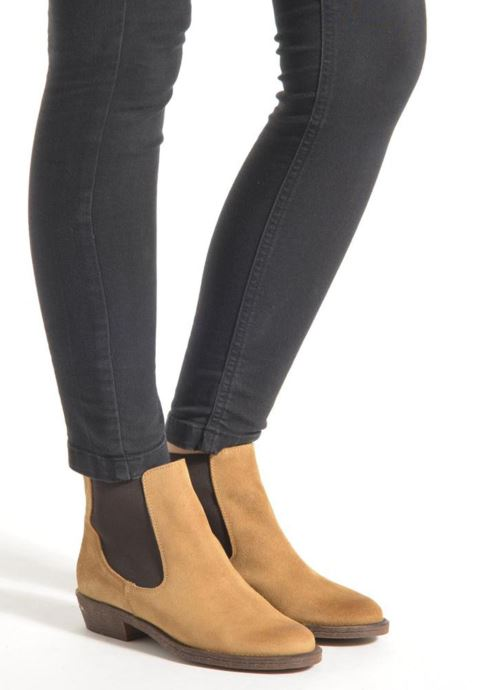 Ankle boots Coolway Bradley Black view from underneath / model view