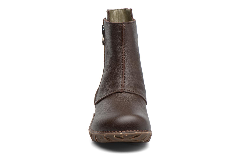 Bottines et boots El Naturalista Yggdrasil NE28 Marron vue portées chaussures