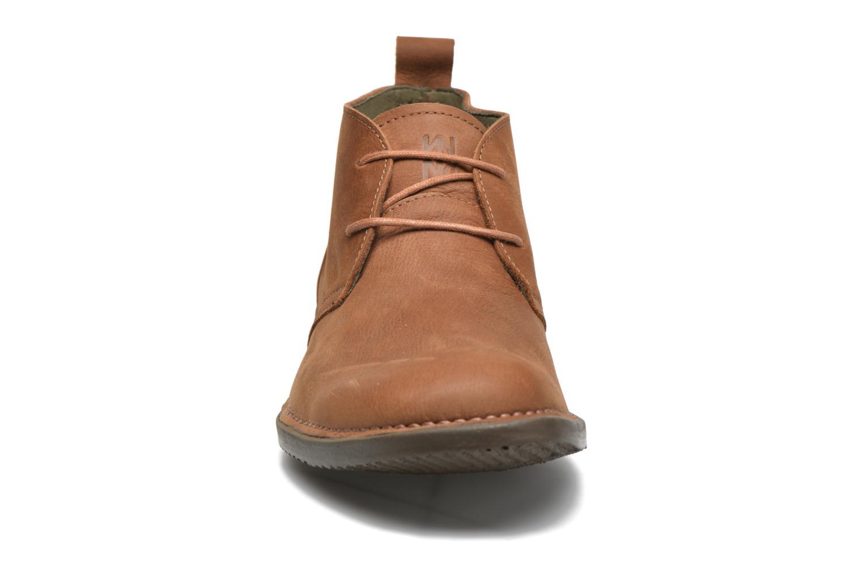 Zapatos con cordones El Naturalista Yugen NG21 Marrón vista del modelo
