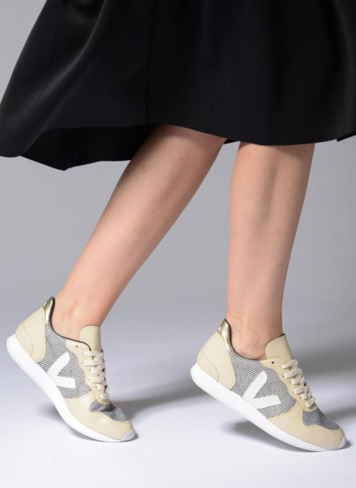 Trainers Veja Holiday Lt Beige view from underneath / model view