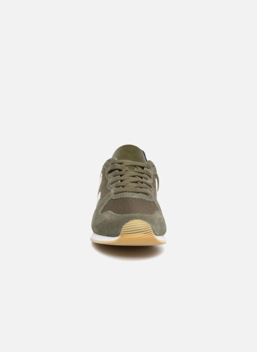 Trainers Veja Holiday Lt Green model view