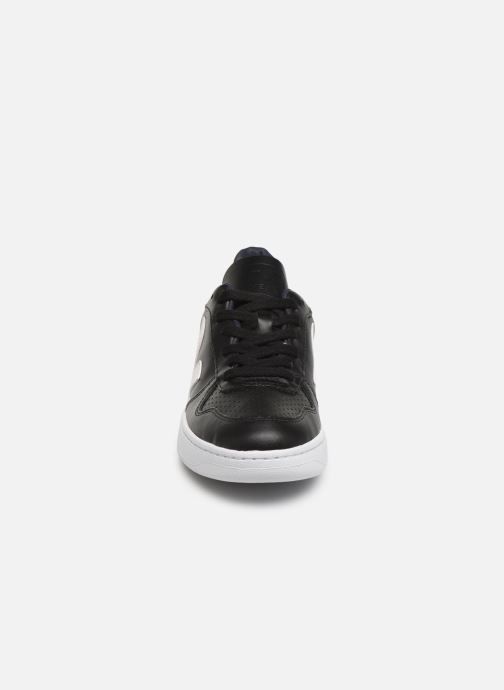 Sneaker Veja V-10 W schwarz schuhe getragen