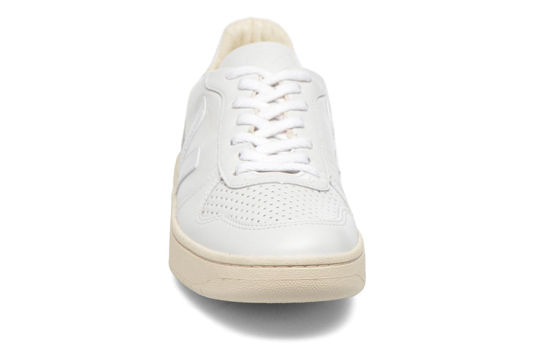 Baskets Veja V-10 W Blanc vue portées chaussures