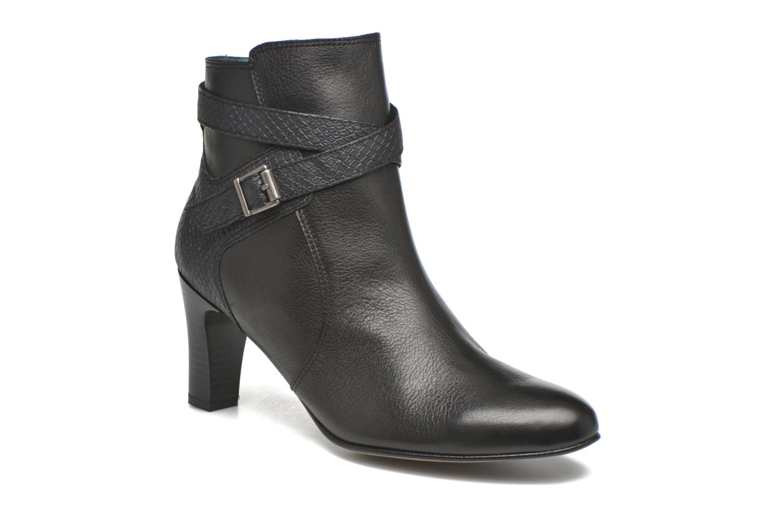 Ankle boots Karston IFOPO #Vo Mil.NOIR/Ch Max ~Doubl & 1ere CUIR Black detailed view/ Pair view