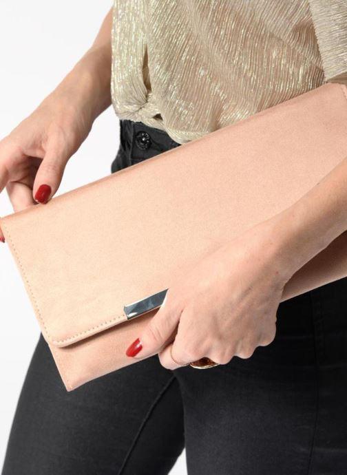Handtaschen Menbur Pochette suédée S rot ansicht von unten / tasche getragen