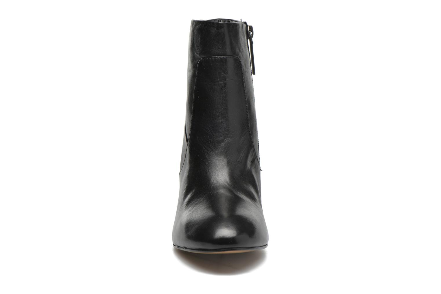 Ankle boots Pepe jeans Dylan Napa Black model view
