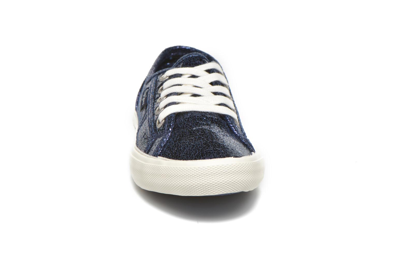 Deportivas Pepe jeans Aberlady Crackle Azul vista del modelo