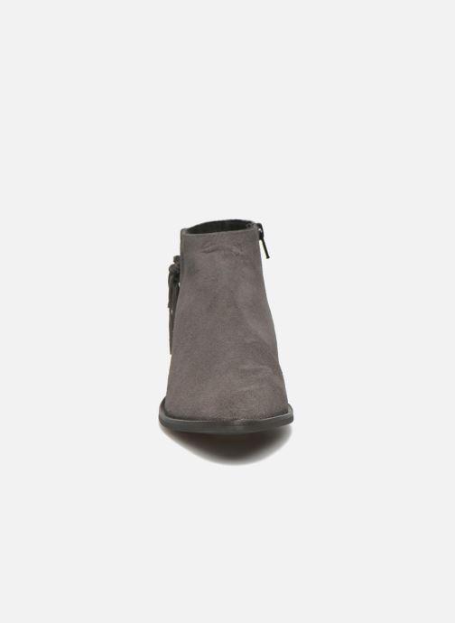 Stivaletti e tronchetti Pieces Derika Leather Boot Grigio modello indossato
