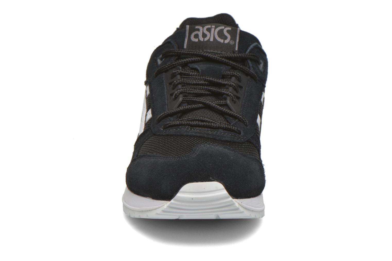Baskets Asics Gel-Respector Noir vue portées chaussures