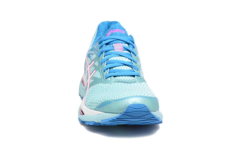 Chaussures de sport Asics Gel-Cumulus 18 W Bleu vue portées chaussures