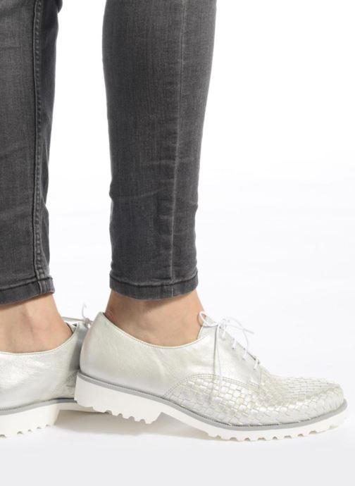 Chaussures à lacets Gabor Mariam Argent vue bas / vue portée sac