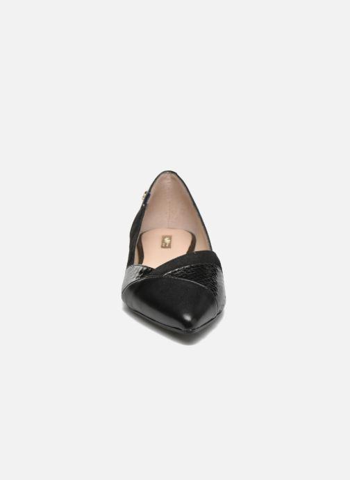 Ballerines Guess Sasco Noir vue portées chaussures