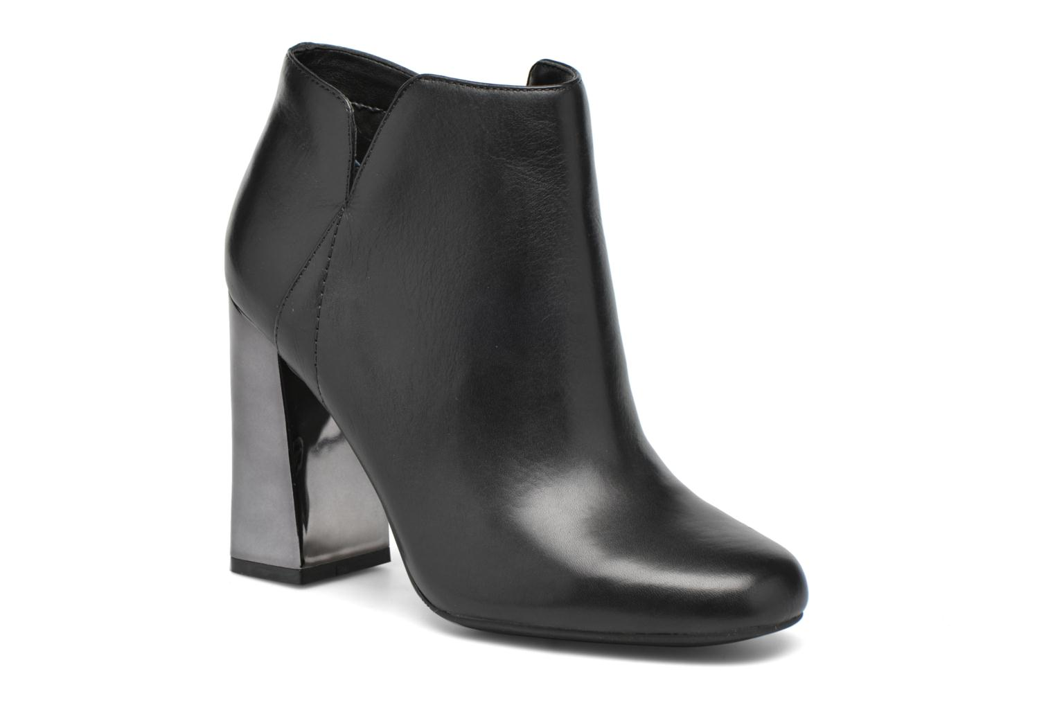 Ankle boots Guess Helio Black detailed view/ Pair view