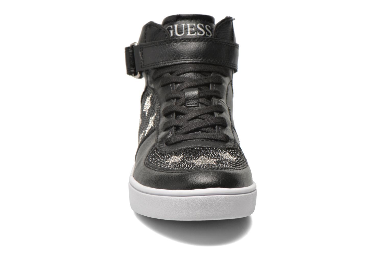 Baskets Guess Suzy Noir vue portées chaussures