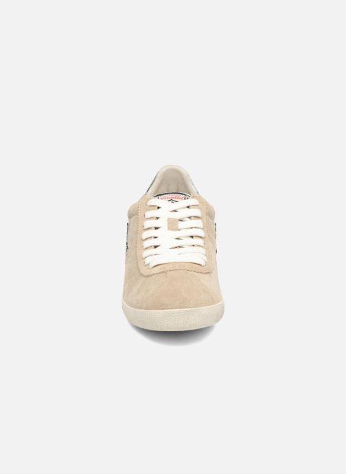 Baskets Ash Guepard Beige vue portées chaussures
