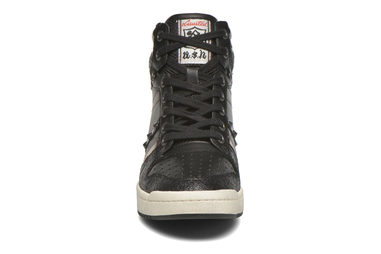 Baskets Ash Prince Noir vue portées chaussures