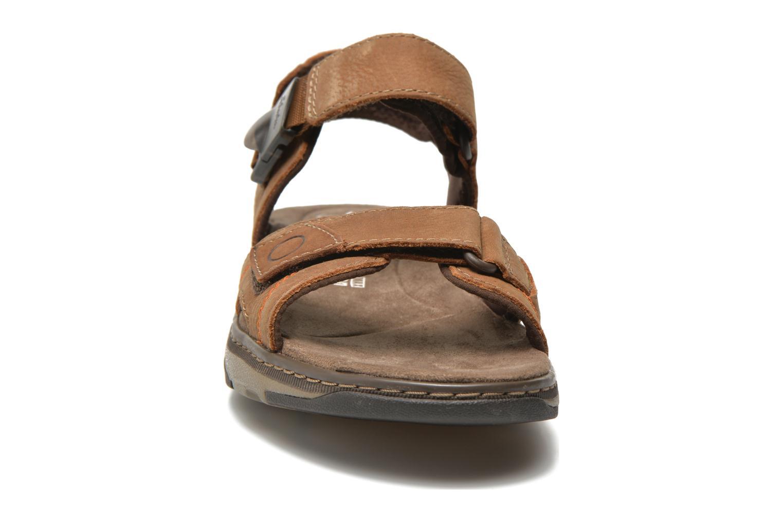 Sandales et nu-pieds Clarks RaffeSun Marron vue portées chaussures