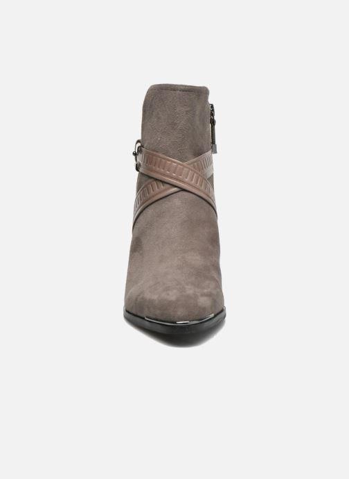 Bottines et boots What For Meyes Marron vue portées chaussures