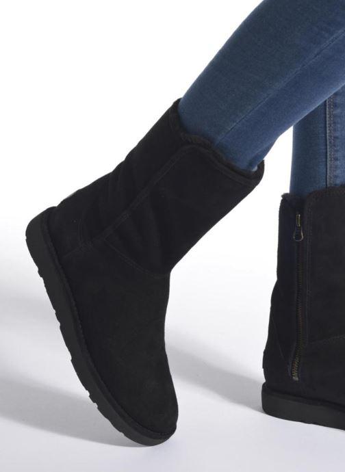 Bottines et boots UGG Abree Short II Noir vue bas / vue portée sac