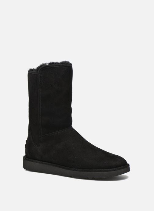 Stiefeletten & Boots UGG Abree Short II schwarz detaillierte ansicht/modell