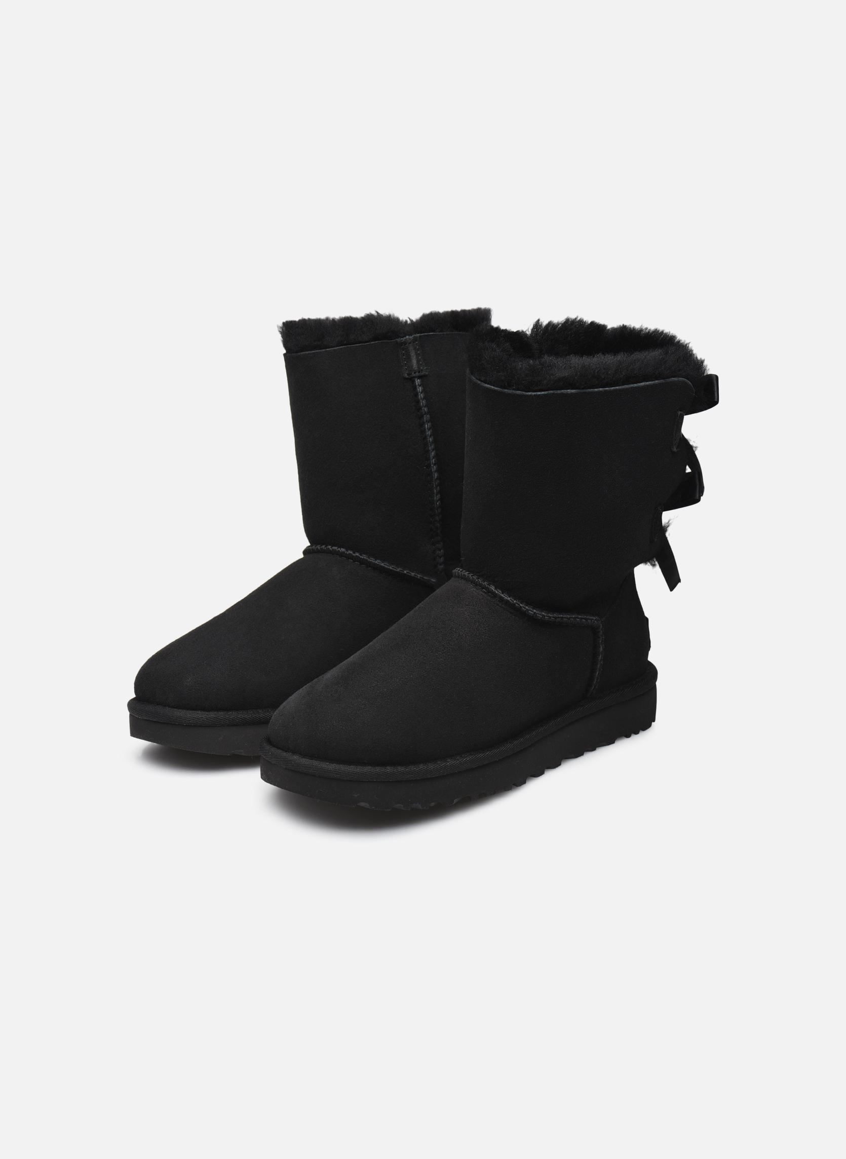 Bottines et boots UGG W Bailey Bow II Noir vue bas / vue portée sac