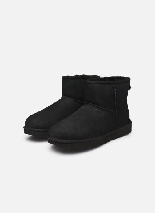 Bottines et boots UGG W Classic Mini II Noir vue bas / vue portée sac