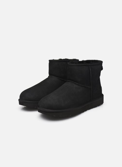 Stiefeletten & Boots UGG W Classic Mini II schwarz ansicht von unten / tasche getragen