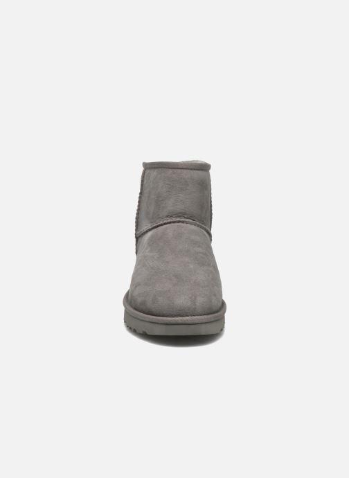 Stiefeletten & Boots UGG W Classic Mini II grau schuhe getragen