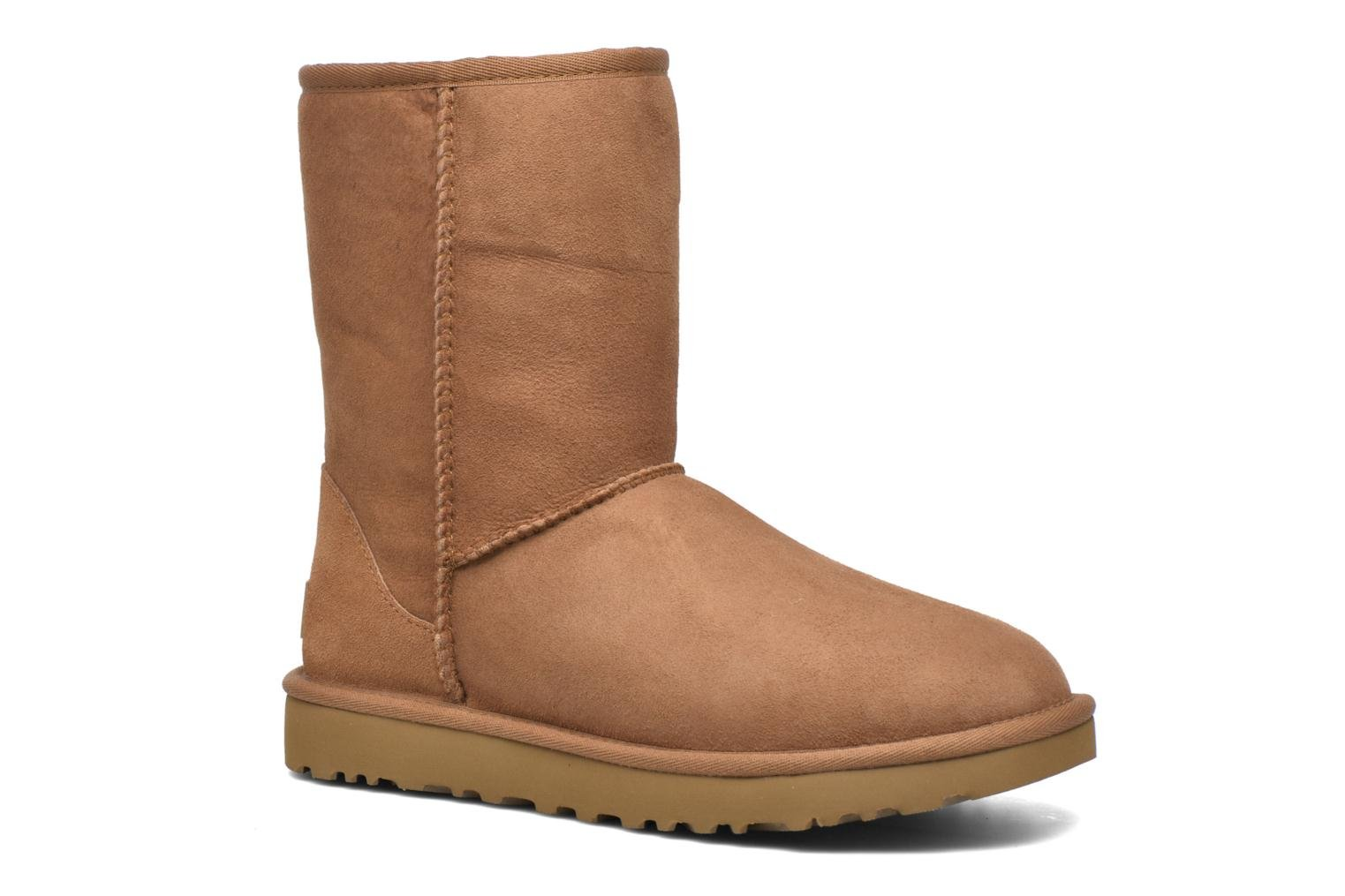 Ankle boots UGG W Classic Short II Brown detailed view/ Pair view