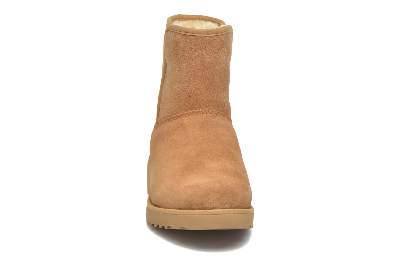 Bottines et boots UGG W Kristin Marron vue portées chaussures
