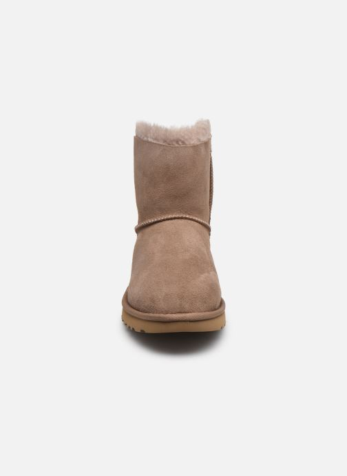 Bottines et boots UGG W Mini Bailey Bow II Beige vue portées chaussures